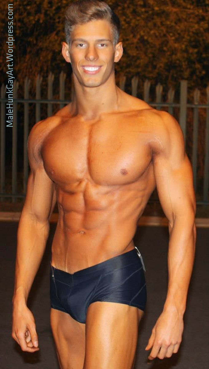 Dating an Italian guy is my dream. They are so attractive !