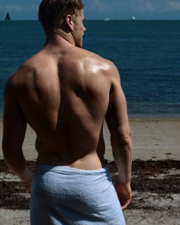 BlondiIrish malehunkgayart.wordpress (4)